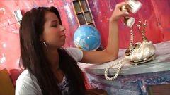 Ohromující masturbace video z čerstvých 18 let staré modelky Kiki